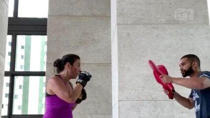 Ivete Sangalo posta vídeo onde aparece lutando boxe com treinador