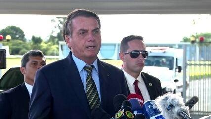 Bolsonaro revoga trecho de MP que permitia suspensão do contrato de trabalho por 4 meses