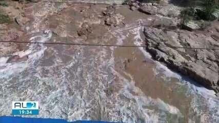Bombeiros estão em alerta para aumento do nível do Rio Ipanema, em Santana