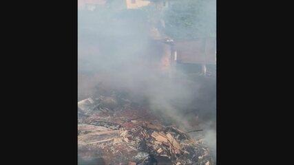 Incêndio atinge casas no Centro de Florianópolis