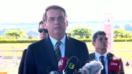 Facebook e Instagram removem vídeo publicado por Bolsonaro