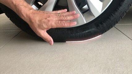 Como evitar o achatamento do pneu ao deixar o carro parado