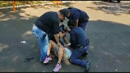 Mulher é detida após morder guarda em abordagem por descumprir quarentena em Araraquara