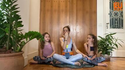 Yoga com crianças: aprenda a fazer uma respiração tranquilizadora