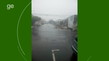 Muro da sede do Rio Negro desaba devido a forte chuva