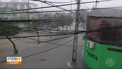 Defesa Civil atende 57 vítimas de inundações após chuvas em Caruaru