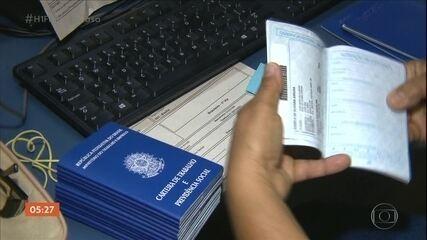 Trabalhadores enfrentam dificuldades para se cadastrar no seguro-desemprego