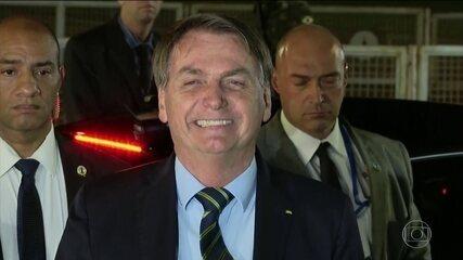 'E daí? Lamento', diz Bolsonaro sobre vítimas do coronavírus