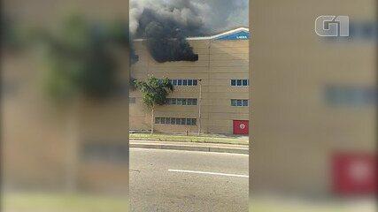 Incêndio atinge a Cidade do Samba