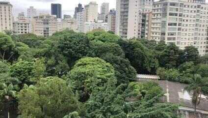 São Paulo tem panelaço contra o presidente Jair Bolsonaro após saída de Nelson Teich