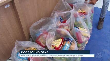 Indígenas doam mais de 600 quilos de alimentos para famílias carentes de Ji-Paraná