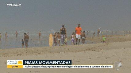 Baianos descumprem recomendação de isolamento social e vão à praia no fim de semana