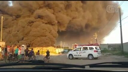Incêndio atinge depósito de recicláveis em Itanhaém, SP