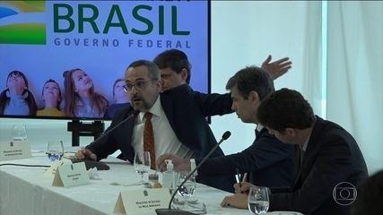 Alexandre de Moraes, do STF, dá prazo para PF ouvir o ministro da Educação, Weintraub