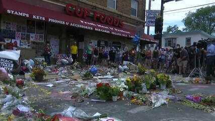 Local onde George Floyd foi assassinado vira memorial