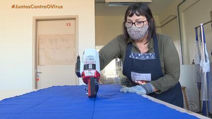 Voluntários fabricam enxovais para profissionais e pacientes com Covid-19 em Rio Grande