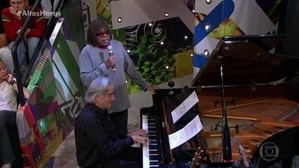 Milton Nascimento canta 'Eu Sei Que Vou Te Amar' e João Carlos Martins acompanha no piano