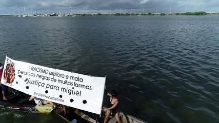 Usando barcos, artistas pedem justiça para menino que morreu ao cair de prédio