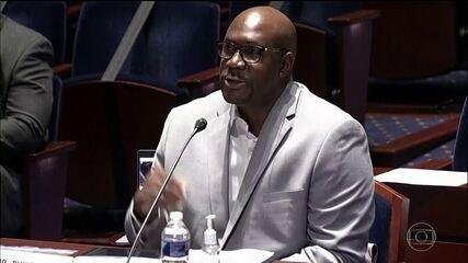 Irmão de George Floyd participa de audiência em Congresso dos EUA
