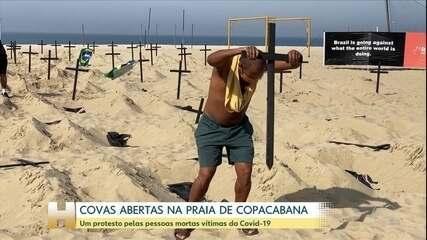 Covas abertas na praia de Copacabana, vítimas de Covid-19