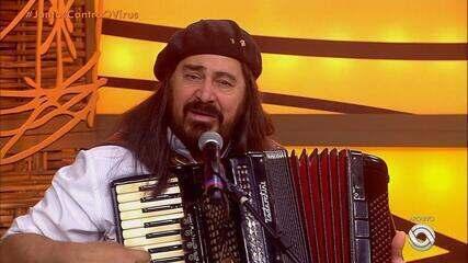 Músicos homenageiam cantor, compositor e gaiteiro Porca Véia; veja depoimentos | Rio Grande do Sul | G1