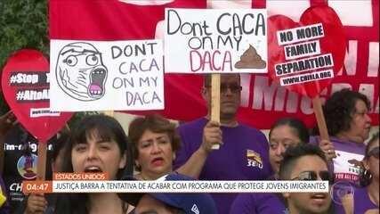 Corte dos EUA se pronuncia sobre fim do programa de proteção de jovens imigrantes