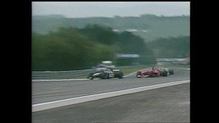 Mika Hakkinen ultrapassa Michael Schumacher na volta 41 do GP da Bélgica de 2000