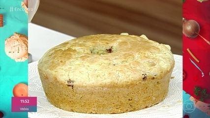 Bolo de Pão de Queijo Recheado com Linguiça e Provolone