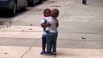 Especialistas lembram que racismo vai além da violência e agressões verbais