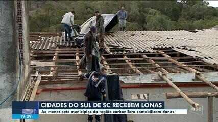 Defesa Civil distribui lonas para famílias do Sul de SC