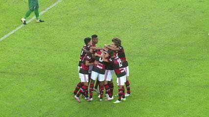 Gol do Flamengo! Michael recebe na esquerda e rola para Gerson, que acerta um lindo chute de fora da área, aos 5 do 2ºT
