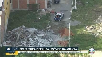 Prefeitura retoma derrubada de prédios da milícia na Gardênia Azul