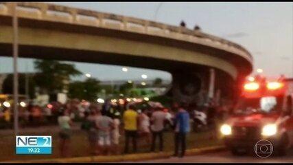 Pai e filhos ficam feridos ao cair de viaduto no Recife