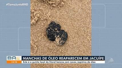Manchas de óleo reparecem em praia de Jacuípe, na Bahia
