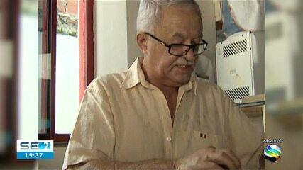 Morre, aos 73 anos, jornalista e poeta Amaral Cavalcante