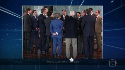 Assessores, políticos e empresários que estiveram com Bolsonaro fazem testes da Covid-19
