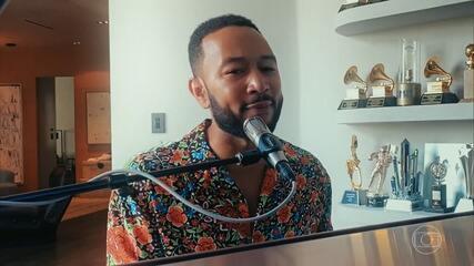 John Legend canta 'Bigger Love'