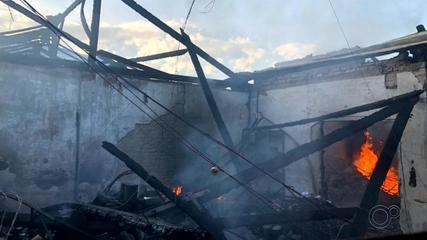 Incêndio em prédio da Saúde destrói mais de 2 mil testes para Covid-19 em Botucatu