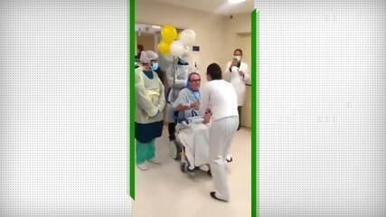 Recuperado de Covid, torcedor deixa hospital ao som do hino do Botafogo