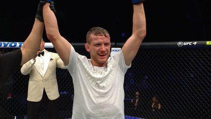 Melhores momentos de Martin Day x Davey Grant no UFC 251