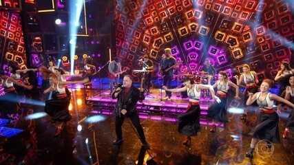 Leo Jaime canta 'Conquistador Barato'
