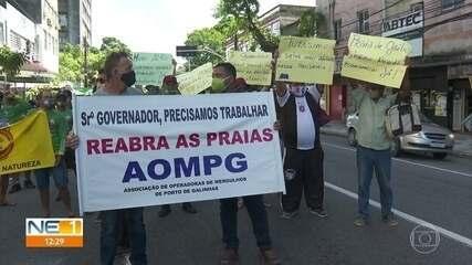 Trabalhadores do turismo fazem protesto no Parque Treze de Maio, no Recife