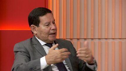 'Alguns do que assinaram a carta são culpados dos problemas de hoje', diz Mourão
