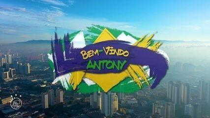 """David Neres e Danilo cantam """"Bem-Vindo Antony"""", para celebrar chegada de ex-são-paulino"""
