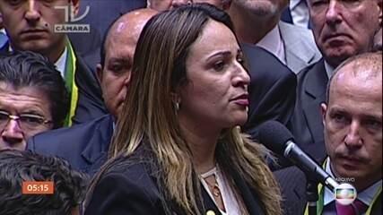 Agentes da PF em Brasília fazem ação no gabinete da deputada Rejane Dias