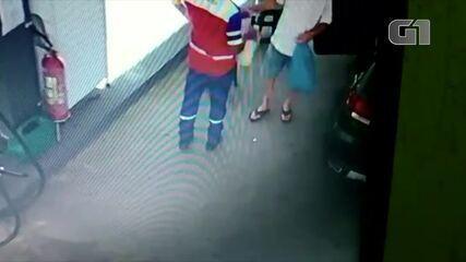 Imagens mostram homem comprando gasolina no dia anterior a incêndio em Petrópolis