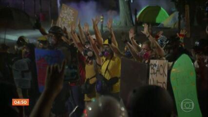 EUA enfrentam mais uma noite de protestos contra o racismo