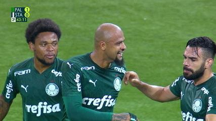Gol do Palmeiras! Após escanteio, Felipe Melo cabeceia, bola desvia na zaga e marca, aos 42 do 2º tempo