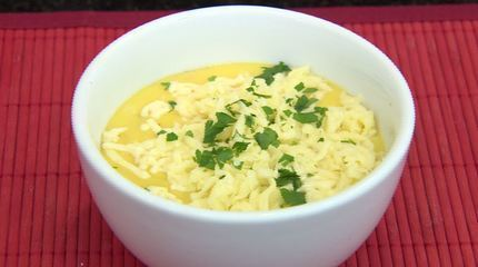 Hora do Rancho ensina a preparar um caldo de mandioquinha com calabresa e queijo