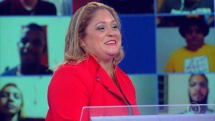 Adélia garante trinta mil reais no 'Quem Quer Ser Um Milionário'